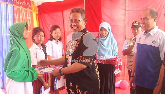 Aqua Klaten Salurkan Beasiswa Untuk 144 Siswa Berprestasi
