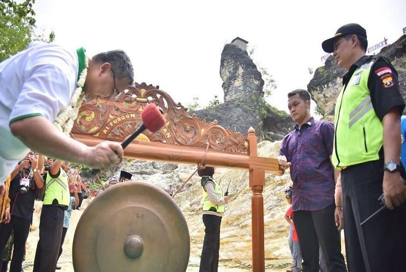 Mendes Resmikan Wisata Bukit Patrum di Klaten