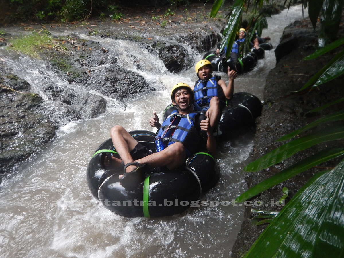 River Tubing Sungai Pusur Klaten, Sensasi Menyusuri Sungai