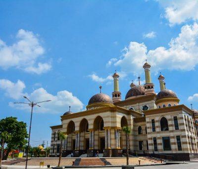 Masjid Agung Klaten: masjid megah ala Timur Tengah kebanggan Klaten