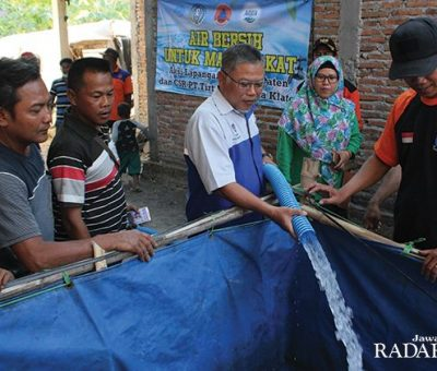 AQUA KLATEN Kirim Bantuan Air Bersih ke Perbatasan