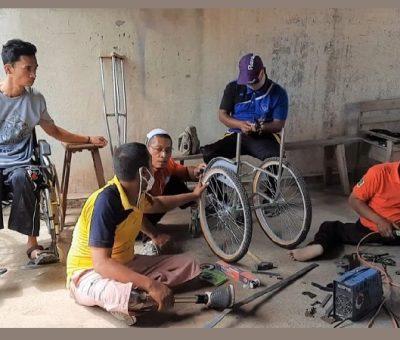 Difabel ICKK Dilatih Membuat Kursi Roda